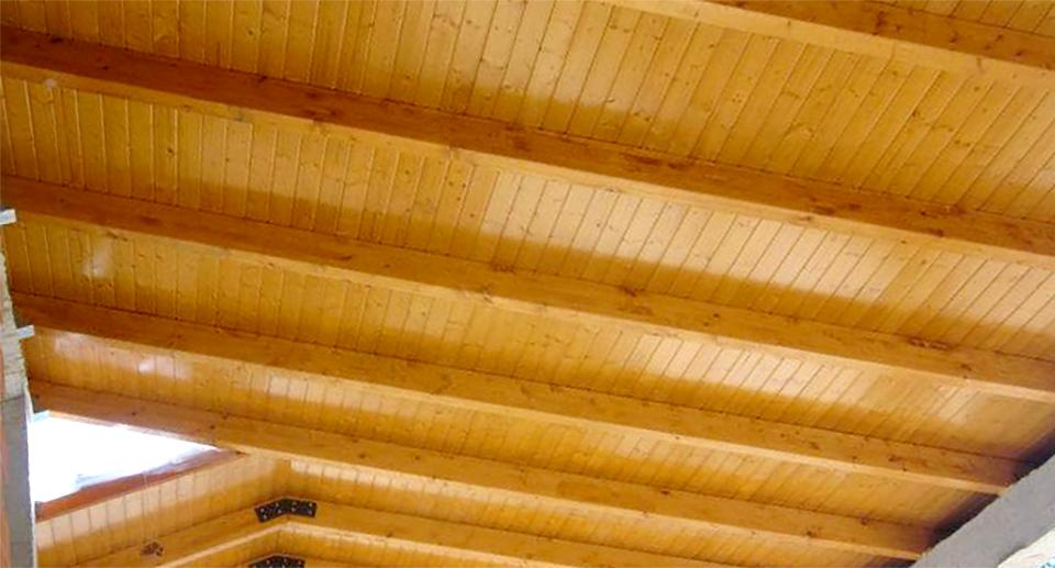 Fabricación e instalación de techos en madera en Alginet, Valencia.